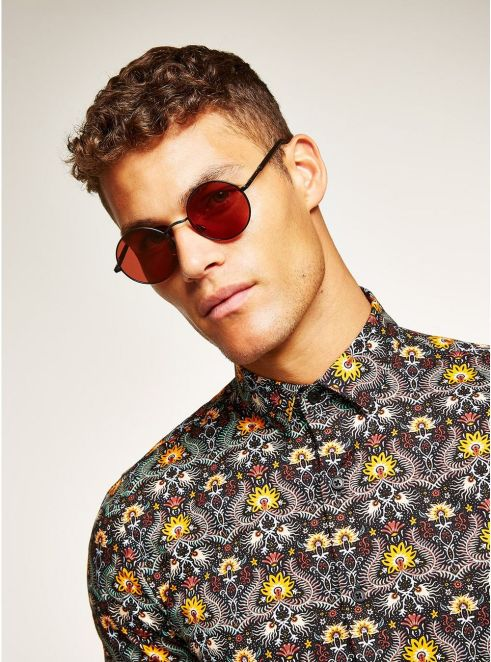 Black and Red Rounded Sunglasses - © Topman